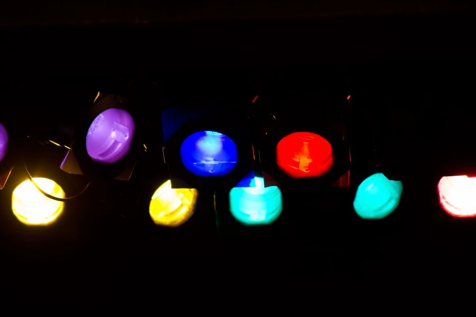 www-pakutaso-com-shared-img-thumb-ppw_karahurunasupotlight