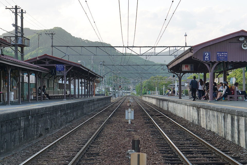 track-1891873_960_720