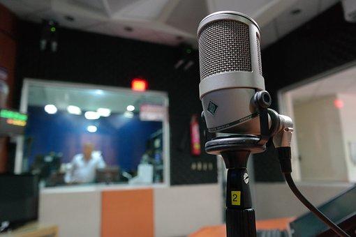 microphone-1562354__340
