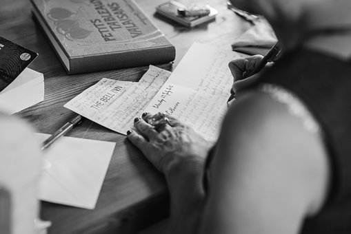 hands-writting-2110452__340